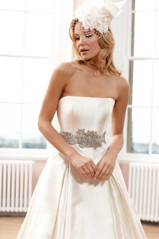 sassi-holfords-signature-collection-full-statement-silhouettes-Sassi-Holford-2014-Signature---Veronica-&-Veronica-belt