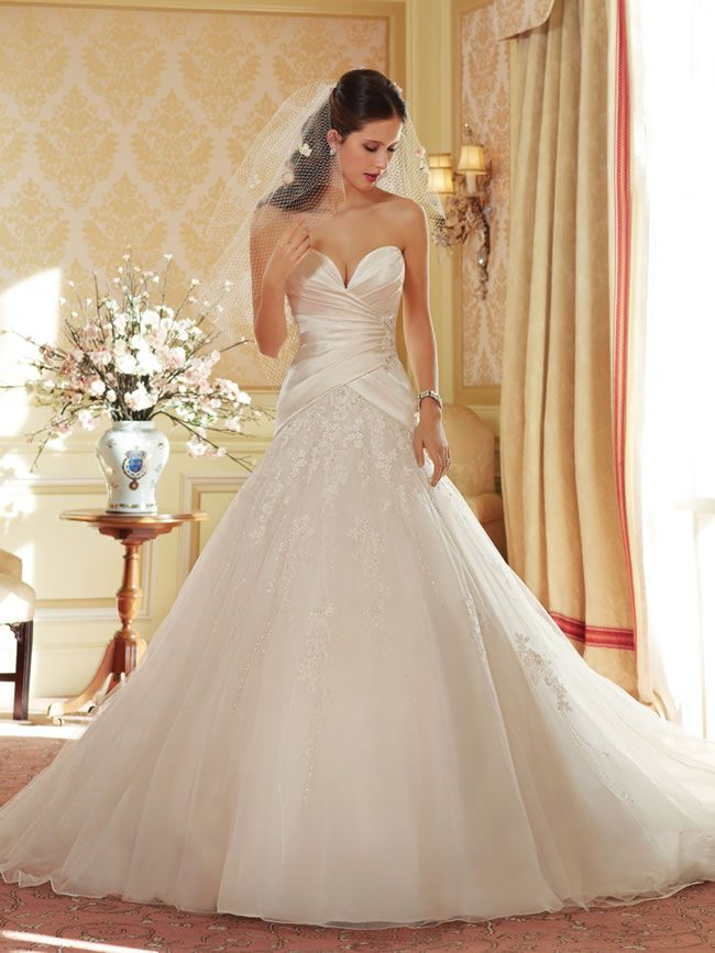 the-amazing-sophia-tolli-collection-for-spring-2014-is-full-of-sparkling-sexy-gowns-Y11404_wedding_dress_2014
