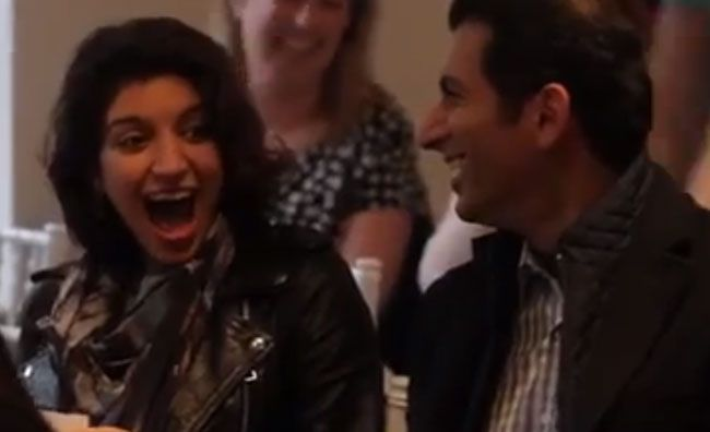 this-surprise-proposal-at-an-auction-got-our-hearts-racing-1
