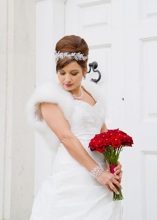 tips-and-tricks-for-getting-the-perfect-winter-wedding-hair-HelenEnglandPhotography.co.uk