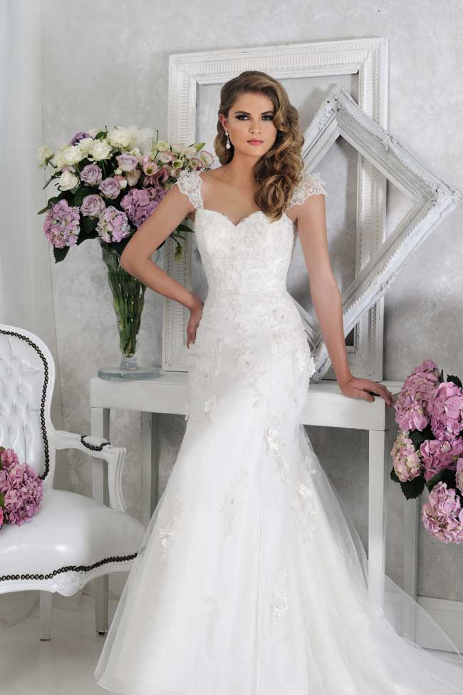 veromias-new-collection-perfect-dress-every-figure-VR61362-1