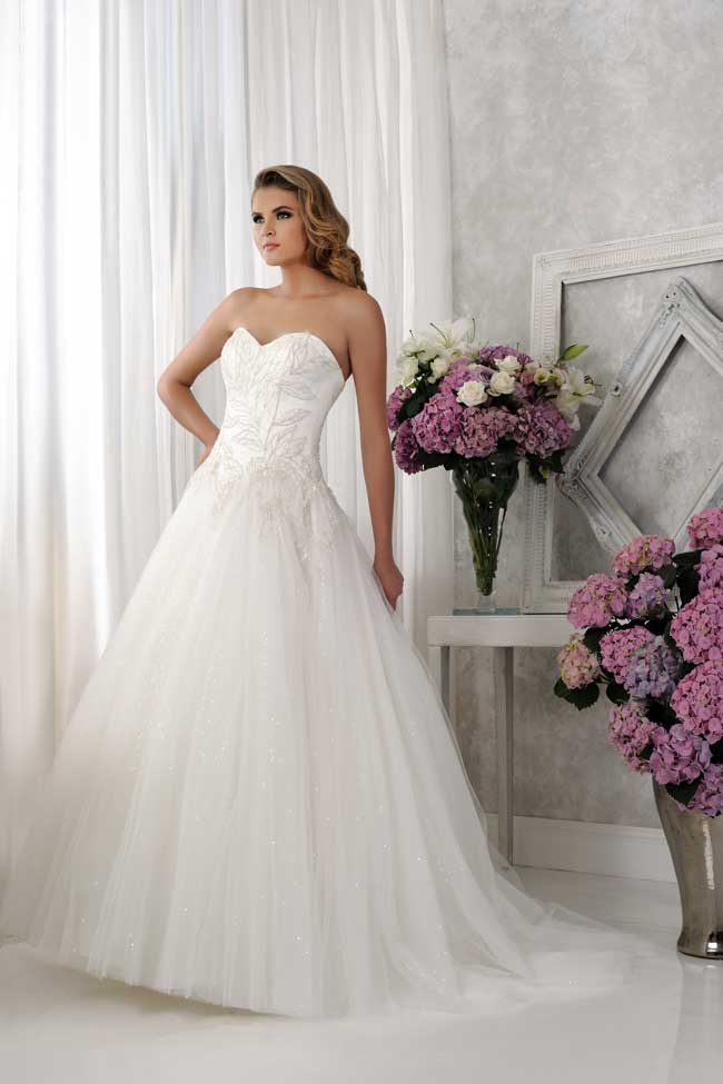 veromias-new-collection-perfect-dress-every-figure-VR61376-1