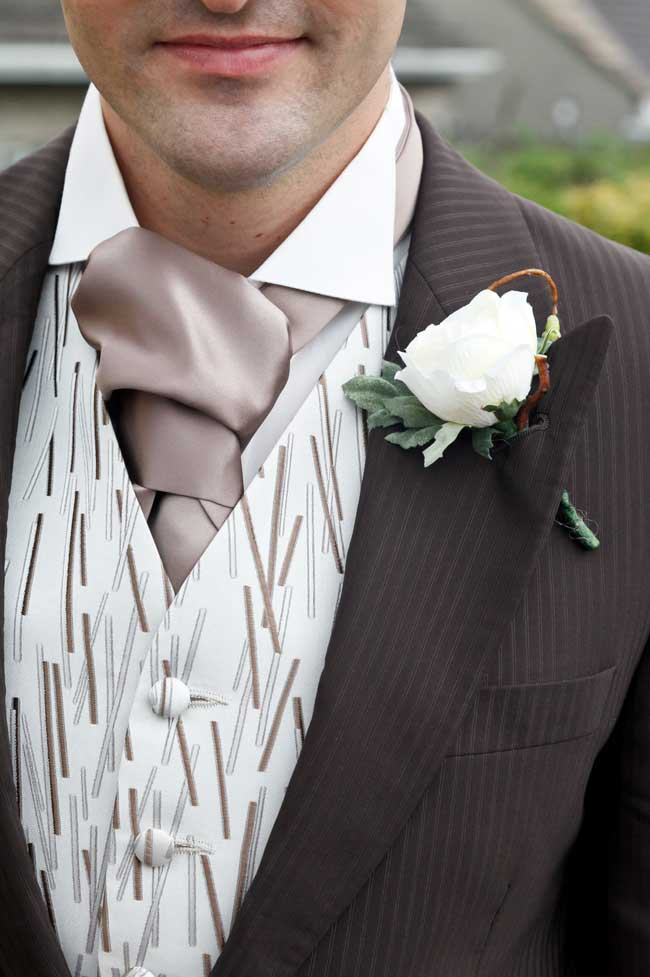 would-you-have-artificial-wedding-flowers-these-real-brides-did-gwenterphotography.co.uk-1