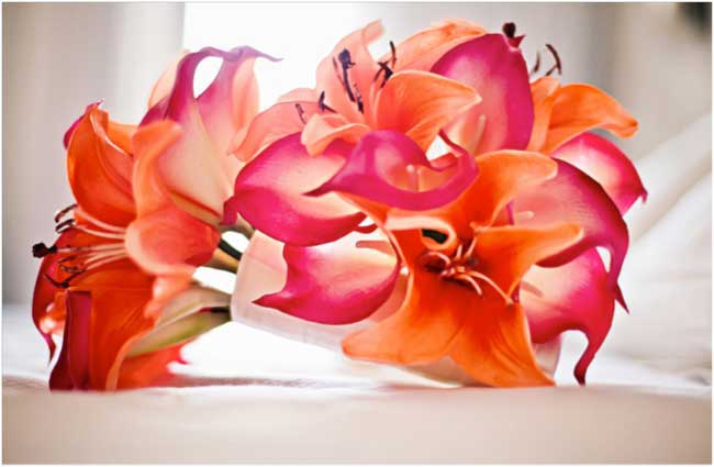 would-you-have-artificial-wedding-flowers-these-real-brides-did-jo-3