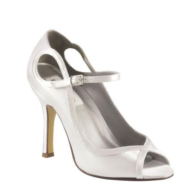 10-pretty-and-practical-mid-heel-height-wedding-shoes-Dyeables-Tessa
