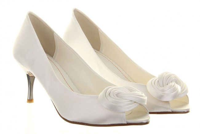 10-pretty-and-practical-mid-heel-height-wedding-shoes-Else-by-Rainbow-Club-Fizz