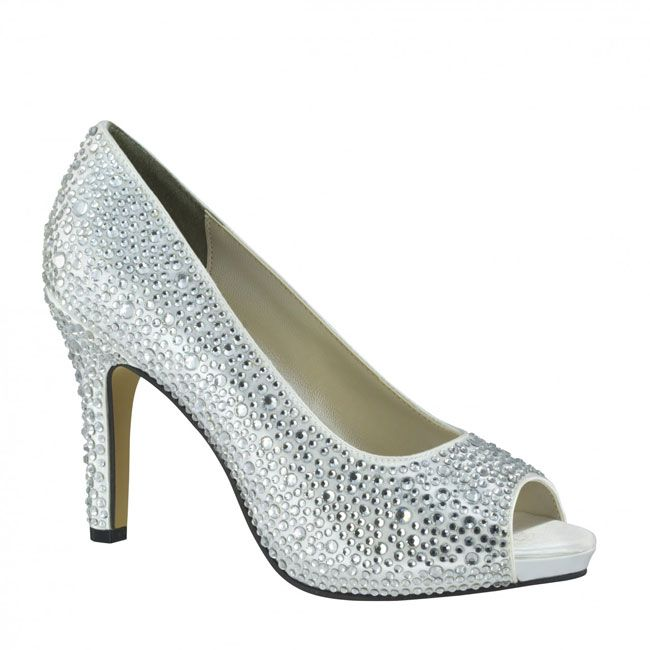 10-pretty-and-practical-mid-heel-height-wedding-shoes-Touch-Ups-Eliza