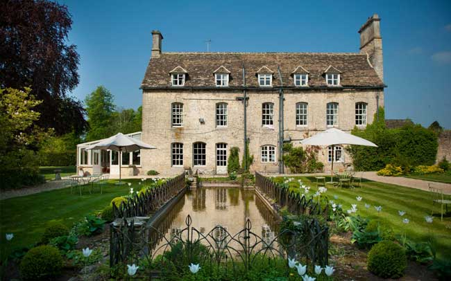 12-hot-new-wedding-venues-for-2014-therectoryhotel1