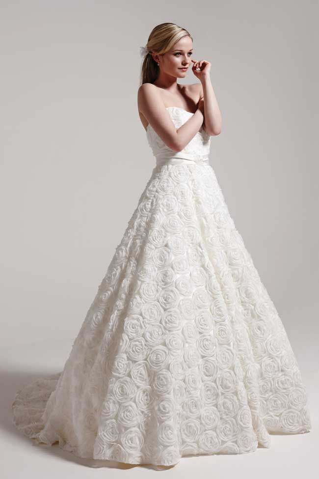 5-minutes-with-award-winning-bridal-designer-sassi-holford-sosassi-Rosie