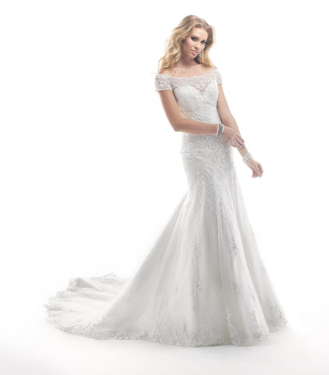 7-glamorous-wedding-dresses-that-your-new-husband-will-love-Calypso-4MB885_Front