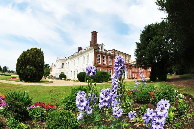 7-reasons-to-get-an-all-inclusive-wedding-package-at-your-venue-gosfield-hall