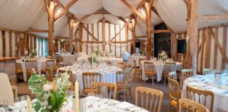 7-reasons-why-barns-make-brilliant-wedding-venues-south-darm-real-wedding