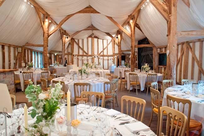 7-reasons-why-barns-make-brilliant-wedding-venues-south-darm-real-wedding