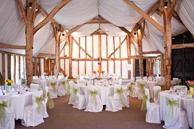 7-reasons-why-barns-make-brilliant-wedding-venues-south-farm