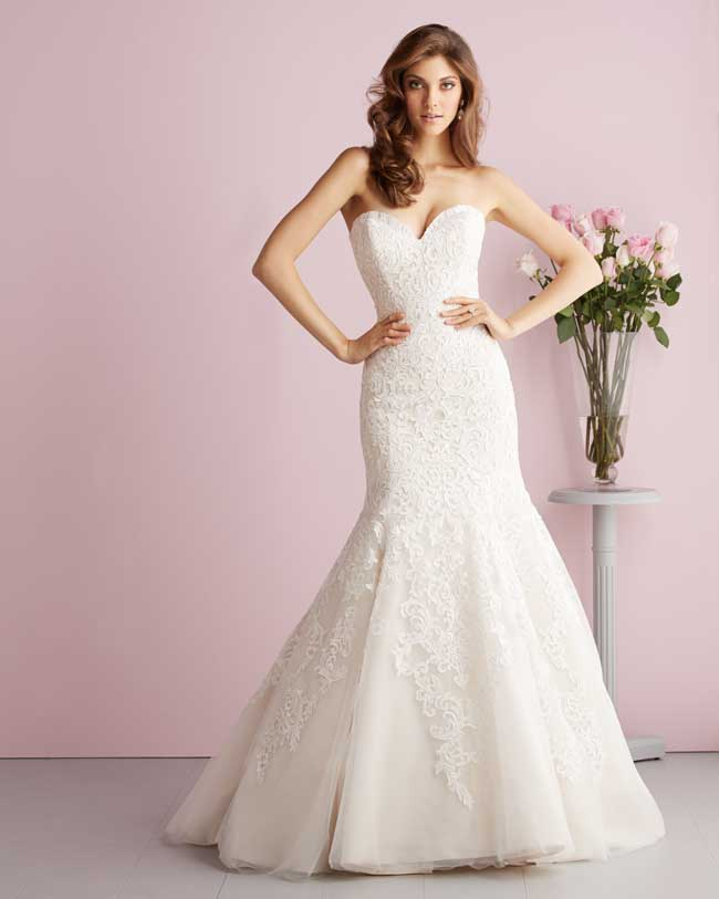 7-super-slinky-wedding-gowns-for-glamorous-brides-from-allure-bridal-2709F