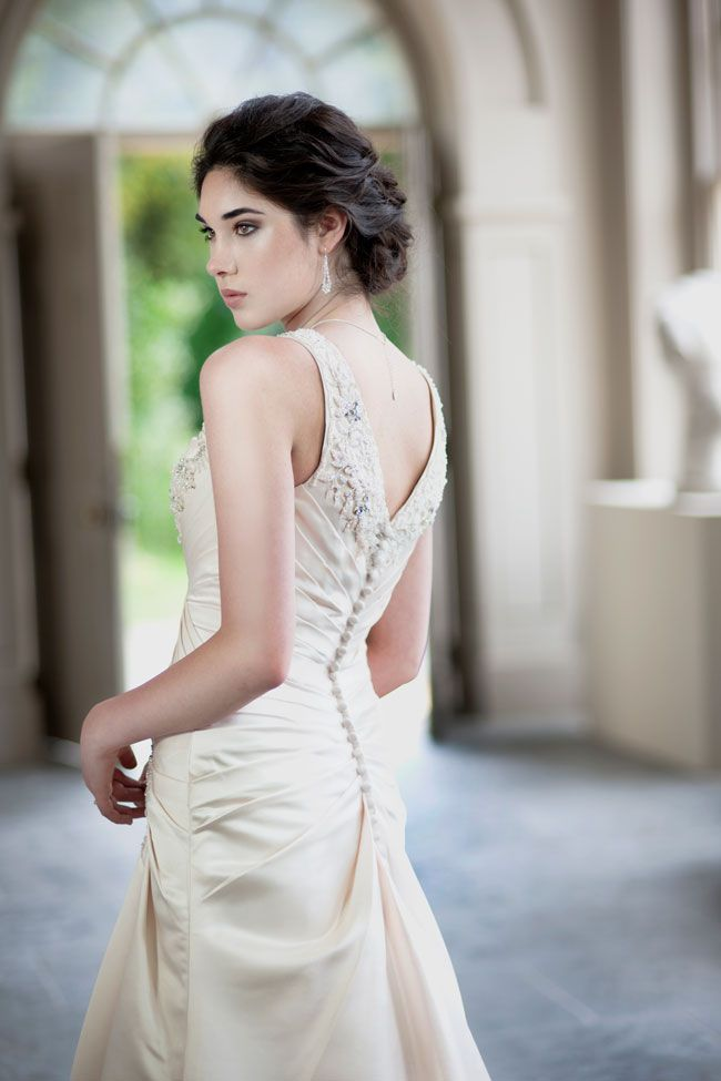 8-eye-catching-back-details-from-alexia-designs-W397-B-W399-B