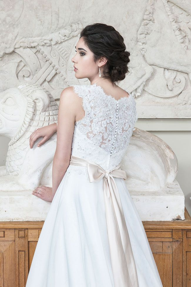 8-eye-catching-back-details-from-alexia-designs-W404-B