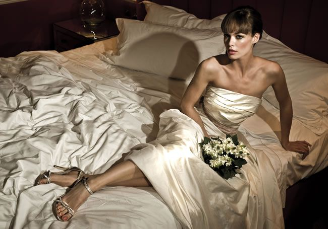 design-the-wedding-shoes-of-your-dream-with-upper-street-1