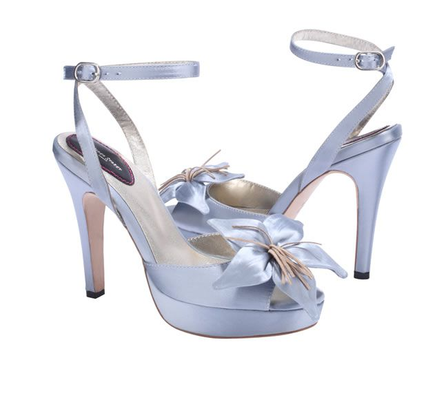 design-the-wedding-shoes-of-your-dream-with-upper-street-2
