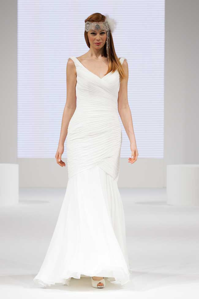 find-your-dream-wedding-dress-at-the-national-wedding-show-Creatiques-Justin-Alexander