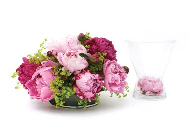 how-to-diy-your-wedding-flowers-and-save-table-flowers