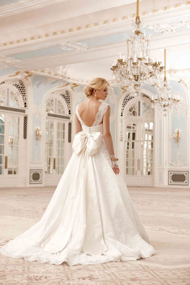how-to-make-your-wedding-dress-even-more-you-Sassi-Holford-2014_Sadie-NEW