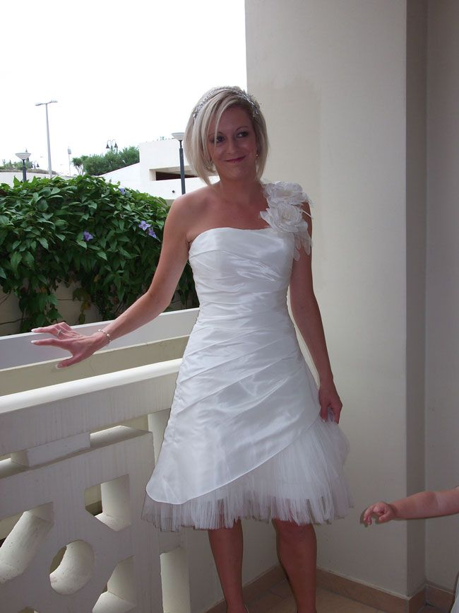 losing-weight-for-the-big-day-read-how-this-real-bride-did-it-Nicky-after-(2)