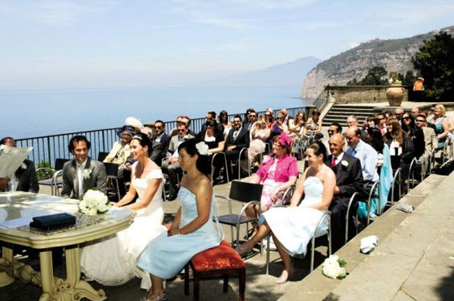 planning-a-wedding-abroad-check-out-these-8-ultra-romantic-views-weddings_villafondi