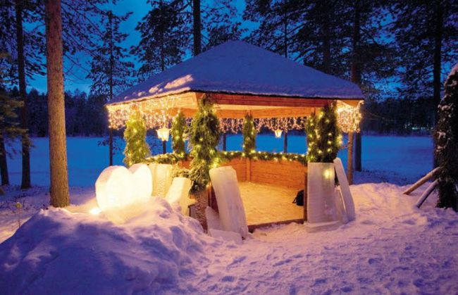 planning-a-wedding-abroad-check-out-these-8-ultra-romantic-views-weddings_winterwonderland