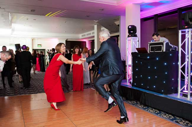 see-all-the-action-from-the-wedding-ideas-awards-2014-part-one-FKELLYPHOTO_WeddingIdeasAwards2013-LR-483