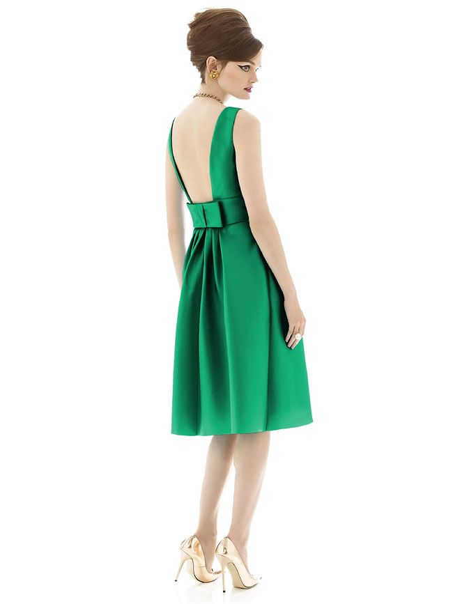 seven-bold-and-beautiful-bridesmaid-dresses-for-a-bright-theme-Alfred-Sung-D660-Emerald