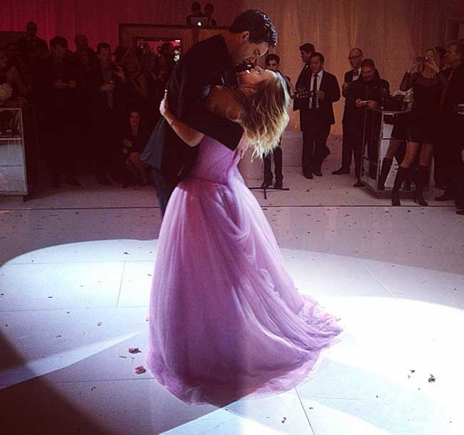 the-big-bang-theorys-kaley-cuoco-marries-in-pink-wedding-dress-2