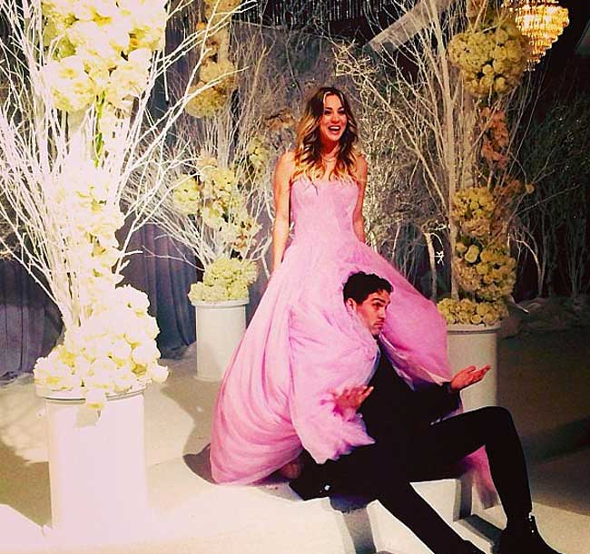 the-big-bang-theorys-kaley-cuoco-marries-in-pink-wedding-dress-3