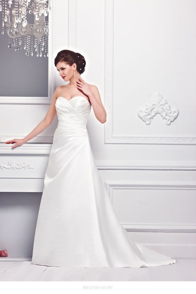 the-new-bellice-collection-is-perfect-for-contemporary-confident-brides-BB121301-1
