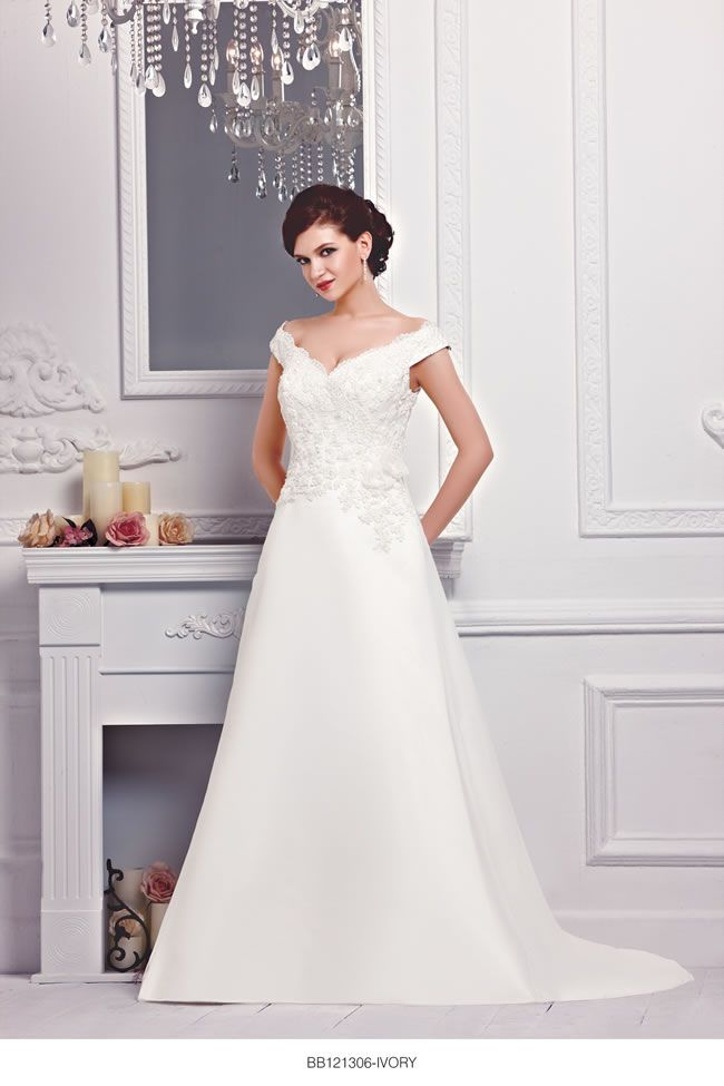 the-new-bellice-collection-is-perfect-for-contemporary-confident-brides-BB121306-1