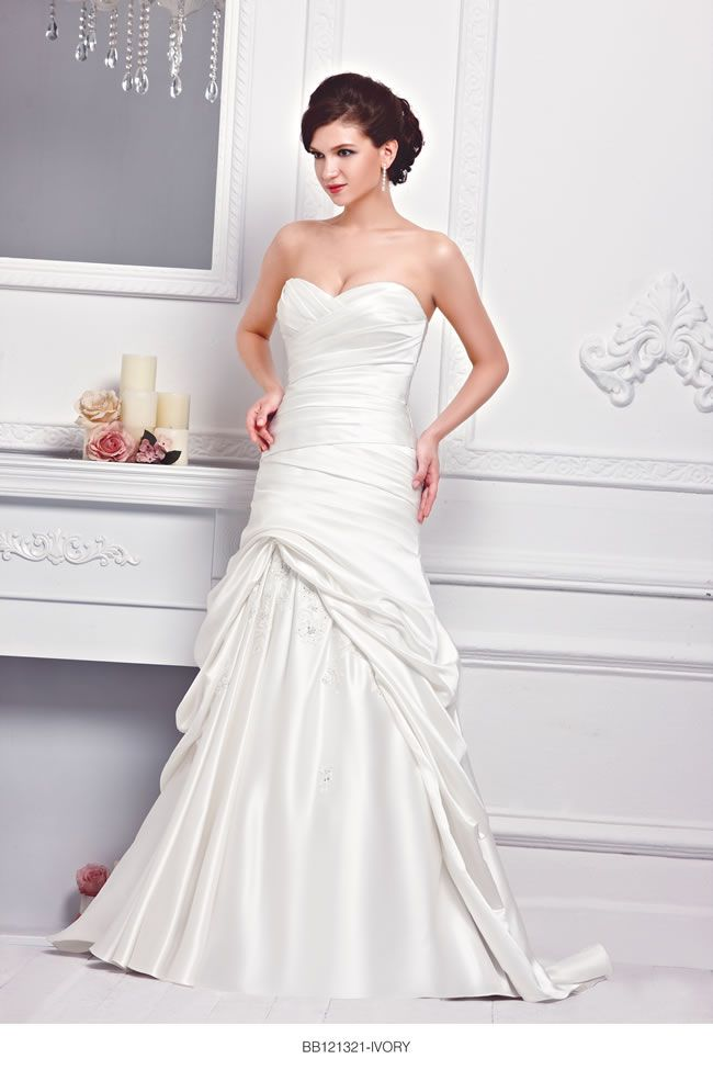 the-new-bellice-collection-is-perfect-for-contemporary-confident-brides-BB121321-2