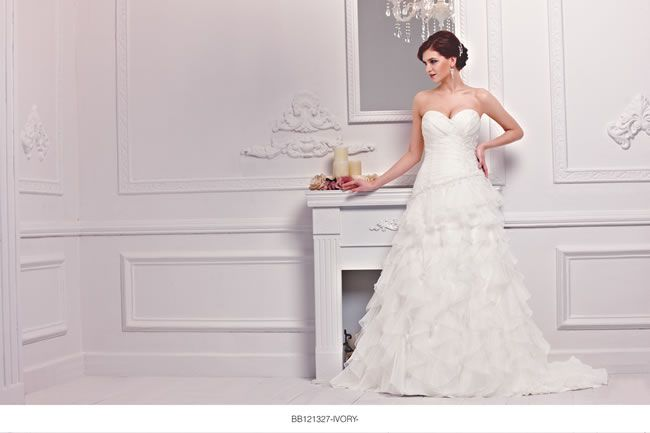 the-new-bellice-collection-is-perfect-for-contemporary-confident-brides-BB121327-1