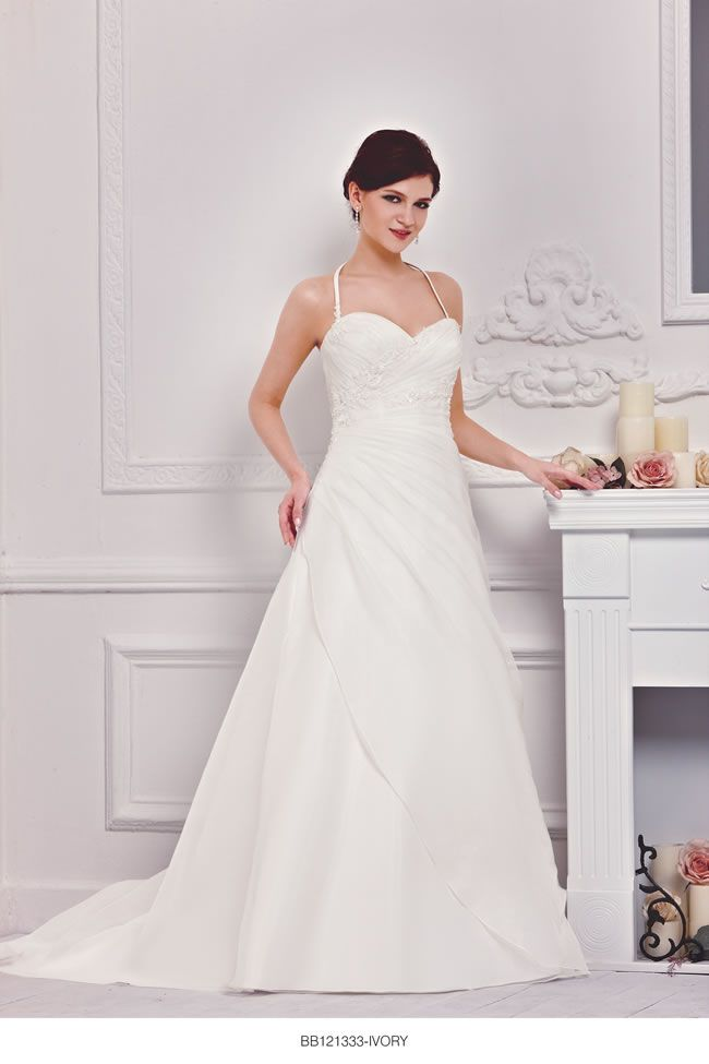 the-new-bellice-collection-is-perfect-for-contemporary-confident-brides-BB121333-1