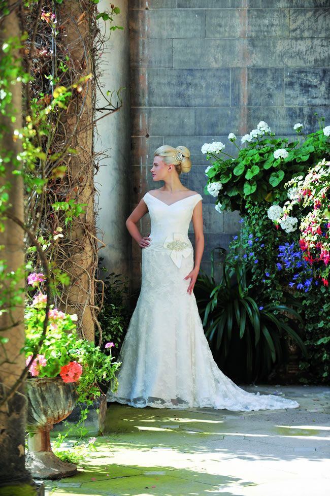 these-romantic-gowns-from-ivory-co-are-perfect-for-english-country-garden-weddings-Genevieve