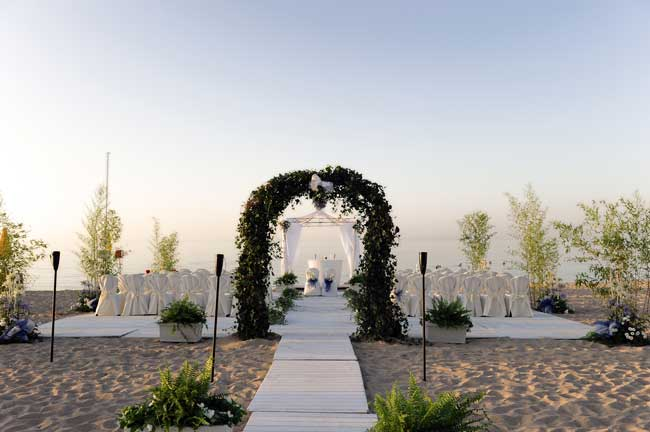 top-5-italian-locations-for-a-perfect-wedding-abroad-golden-sands-2