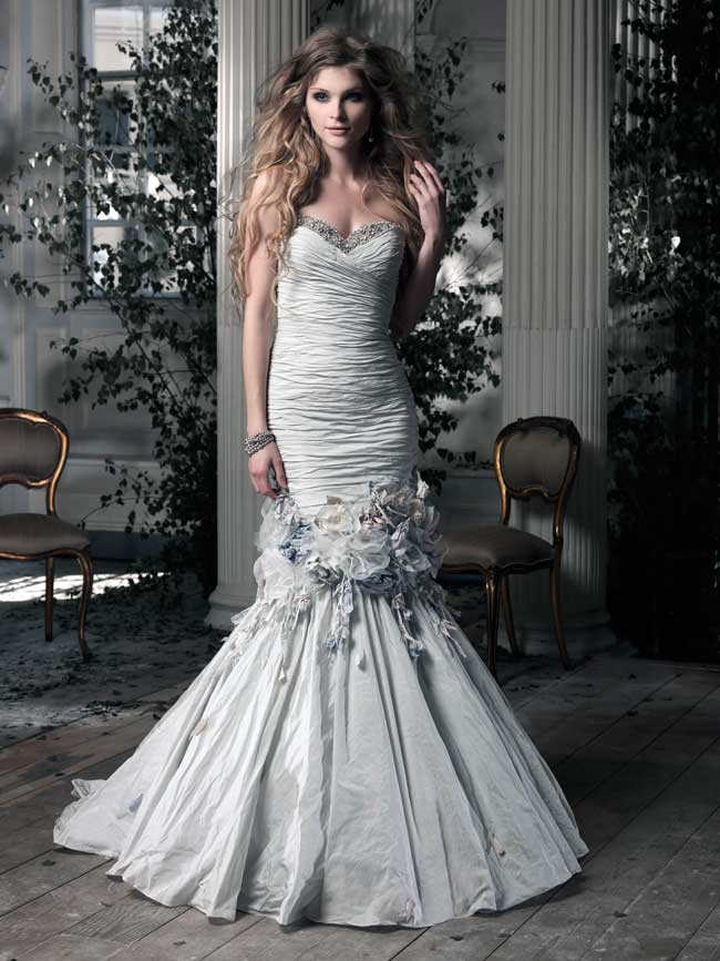 what-will-real-brides-be-wearing-in-2014-top-designers-reveal-all-ian-stuart-Cocorico
