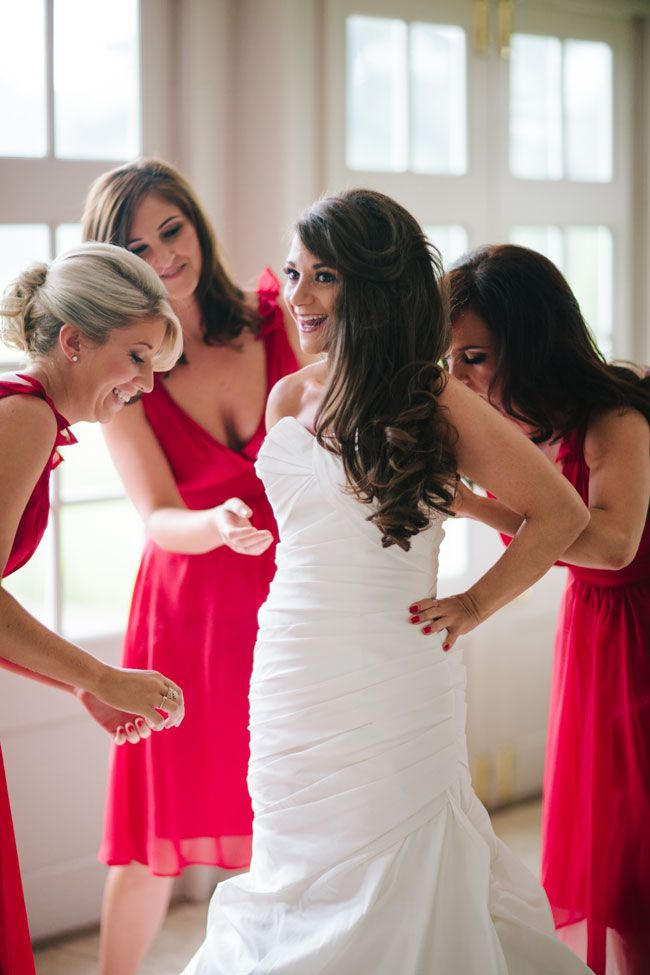 your-most-common-wedding-dress-questions-answered-MarriageIsTheBomb.com