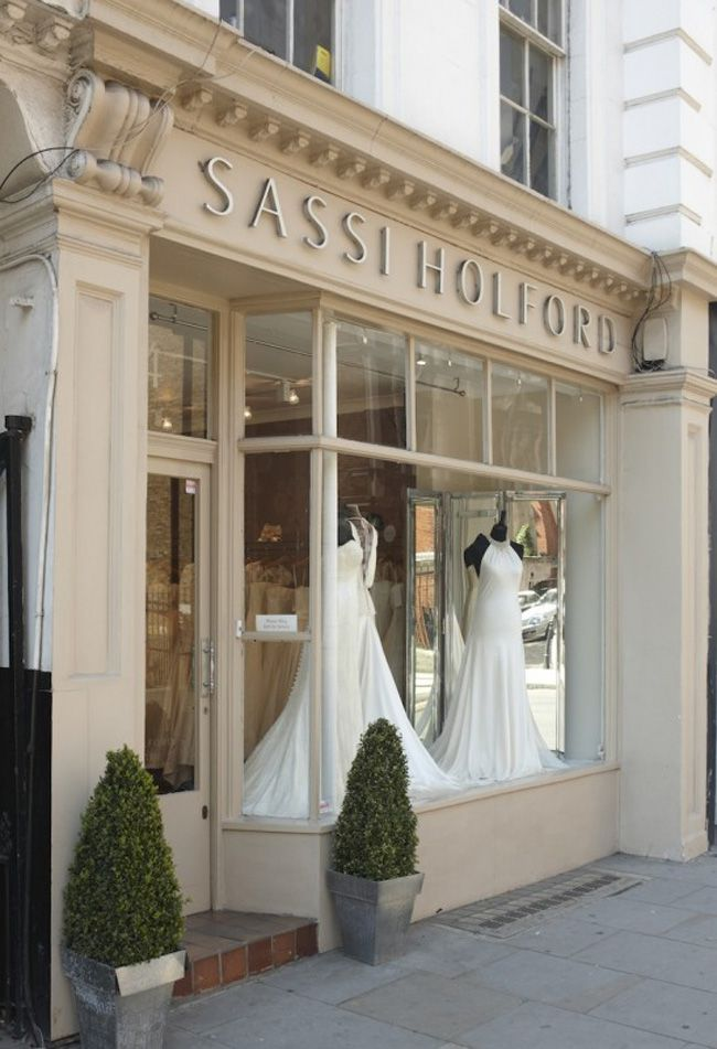 your-most-common-wedding-dress-questions-answered-Sassi-Holford-London-exterior