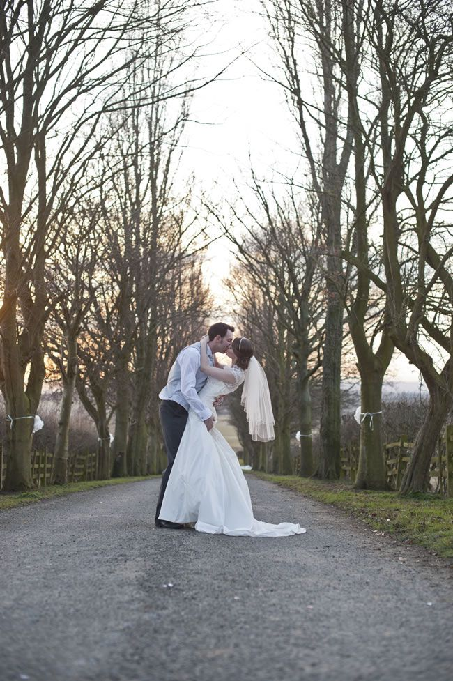 25 of the most romantic wedding photos from our real-life weddings © bluelightsphotography.co.uk