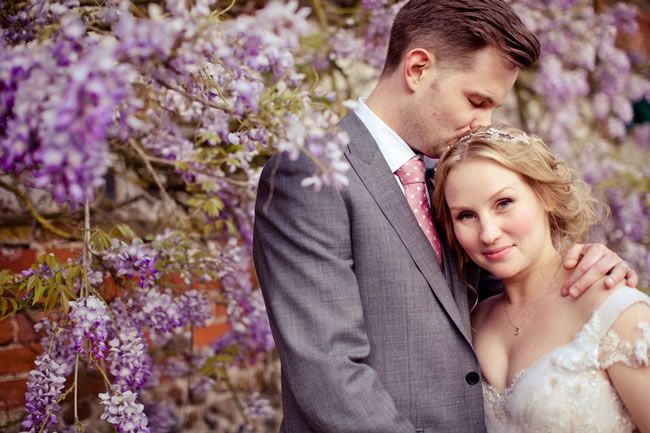 25 of the most romantic wedding photos from our real-life weddings © lolarosephotography.com