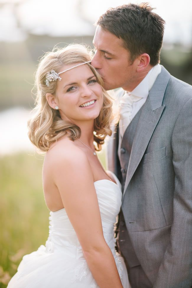 25 of the most romantic wedding photos from our real-life weddings © marriageisthebomb.com