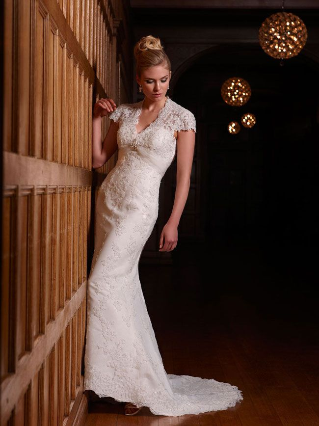 3-unmissable-dress-shopping-tips-for-brides-getting-married-abroad-salerno