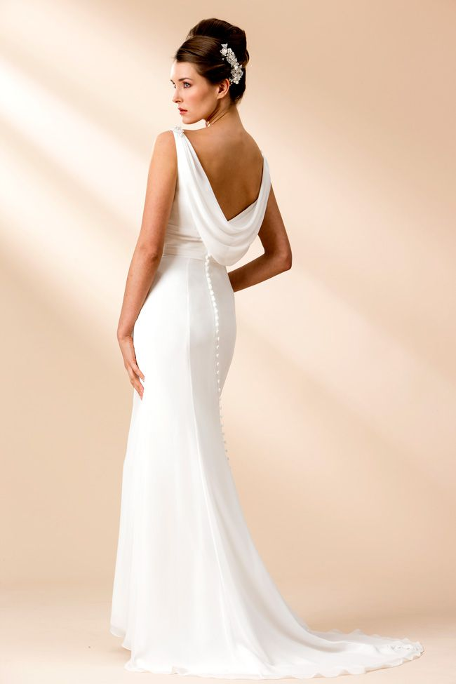 6-luxurious-lightweight-wedding-dresses-perfect-for-the-beach-W110(back)