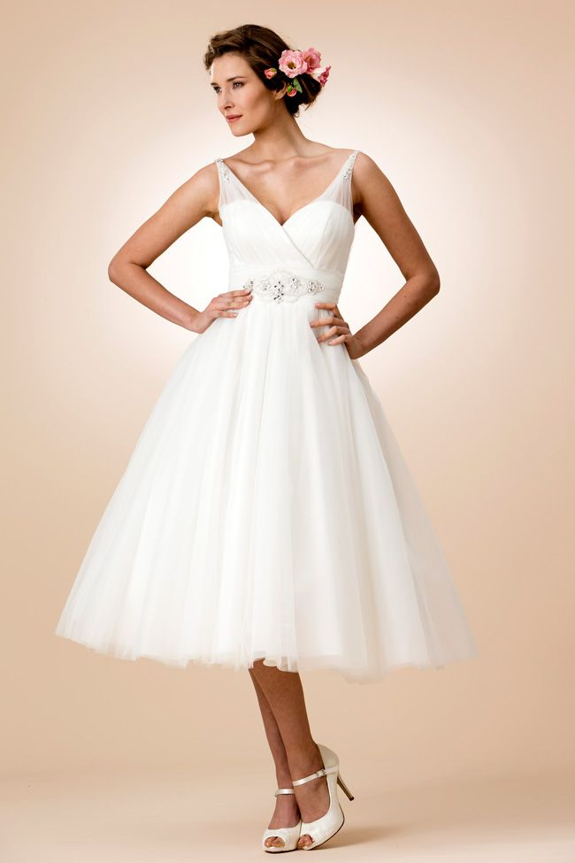 Best Beach Wedding Dresses For 2019 Wedding Ideas Magazine