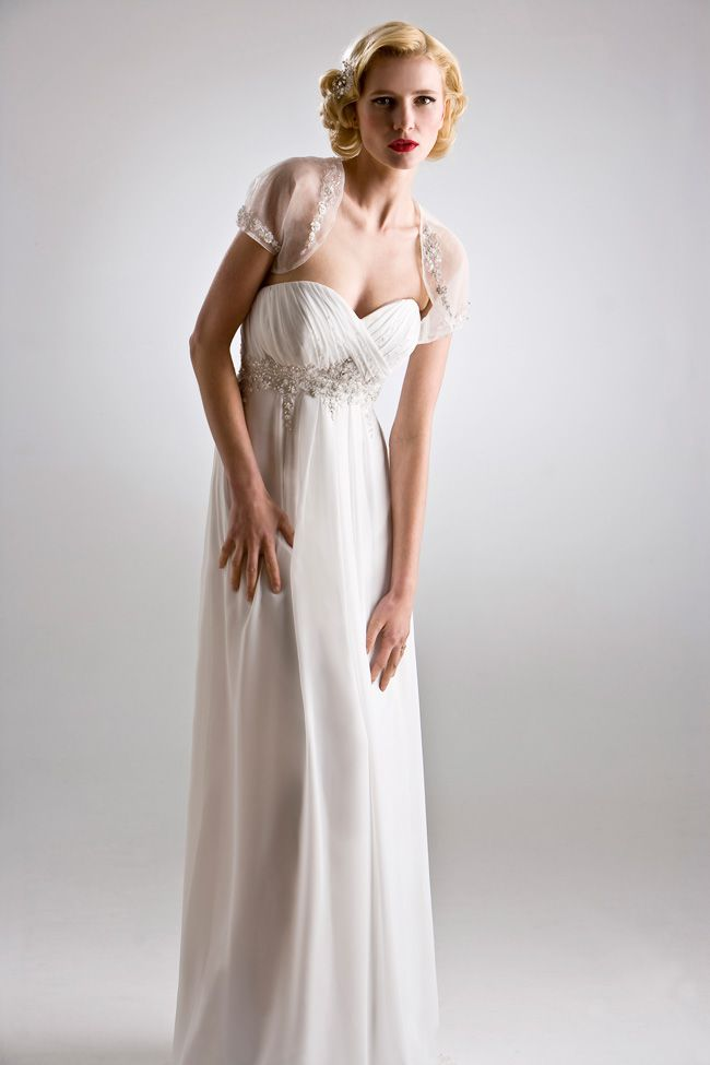 6-luxurious-lightweight-wedding-dresses-perfect-for-the-beach-W951-(7)